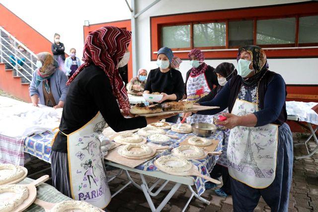 Bir hamleyle köyü dijital AVM'ye çevirdiler! Kooperatif kuran kadınlar, yöresel ürünlerini tüm Türkiye'ye satıyor