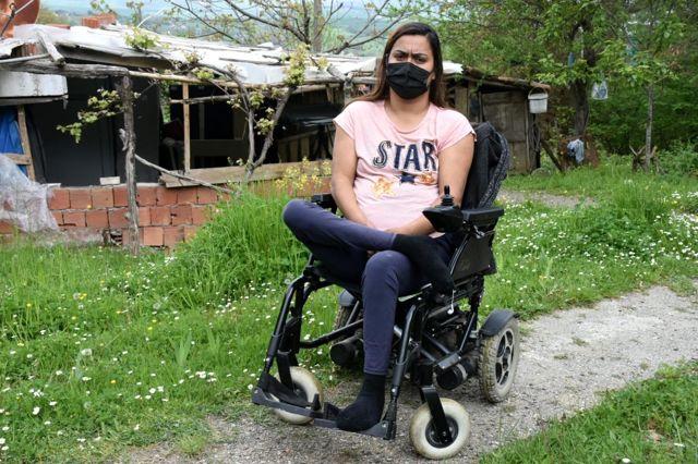 Sinop'ta 28 yaşındaki engelli genç kız yürüyebilmek için yardım bekliyor