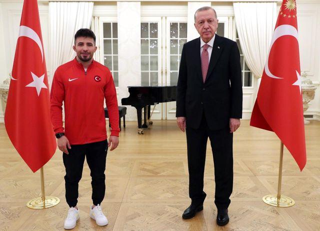Son dakika! Cumhurbaşkanı Erdoğan, sporcularla iftar yaptı