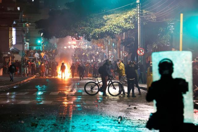 Kolombiya'da neler oluyor? Twitter gündeminden düşmeyen Kolombiya'da yaşanan olayların sebebi nedir?