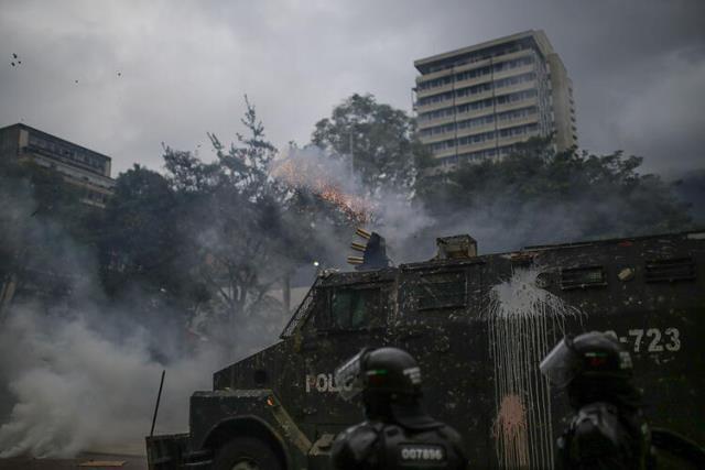 Kolombiya'daki vergi reformu karşıtı gösterilerde 24 kişi öldü, onlarca kayıp vakası var