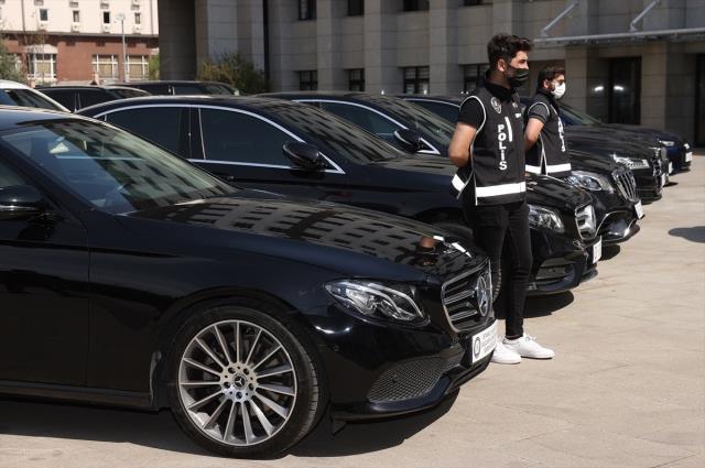 9 ilde lüks otomobil operasyonu! El konan 24 araçla devleti 27 milyon lira zarara uğrattılar