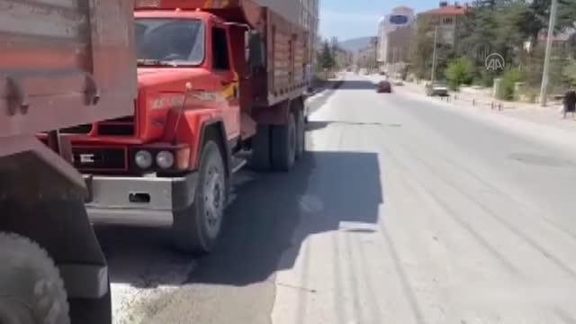 AFYONKARAHİSAR - Sahte plaka takılı 2 kamyonun sahibine 13 bin 374 lira ceza