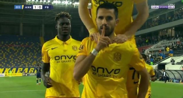 Alper Potuk'un Fenerbahçe'ye attığı gol sonrası sevincine tepki yağıyor