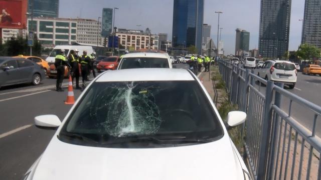 Beşiktaş'ta makas atan sürücü, ortalığı birbirine kattı! 4 kişi yaralandı, 11 araç hasar gördü