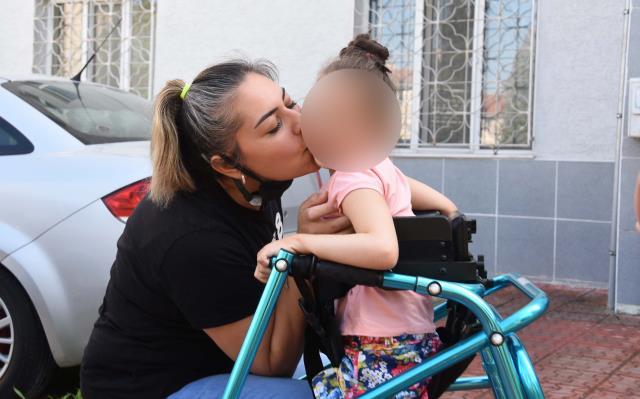 'Kedi miyavlaması sendromlu' 5 yaşındaki küçük kızın yaşam mücadelesi yürekleri dağladı