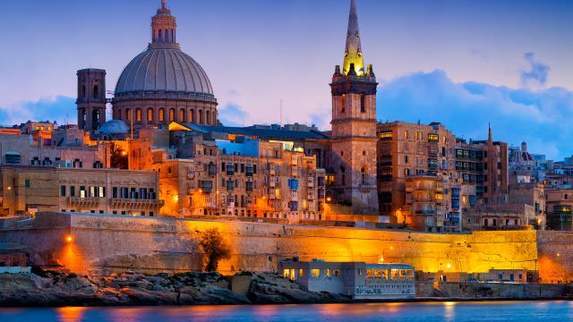 Malta'da turizmi canlandırmak için ülkeye gelen turistlere kişi başı 200 euro verilecek