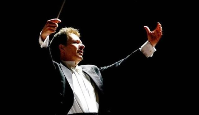 Dünyaca ünlü opera sanatçısı Emin Güven Yaşlıçam'a cinsel taciz suçlaması! 12.5 yıl hapsi isteniyor