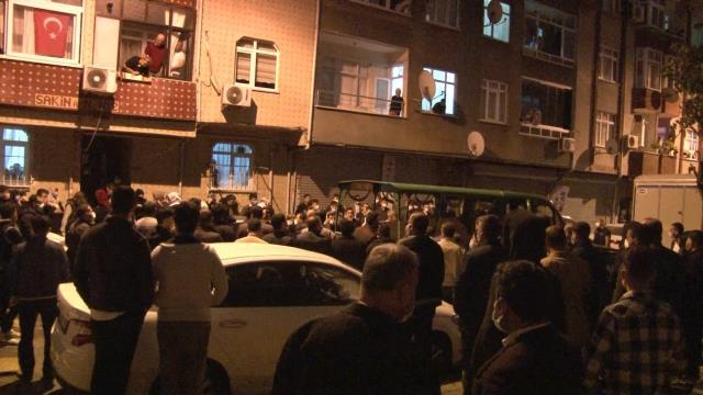 Esenler'de bir kişi evde asılı halde bulundu