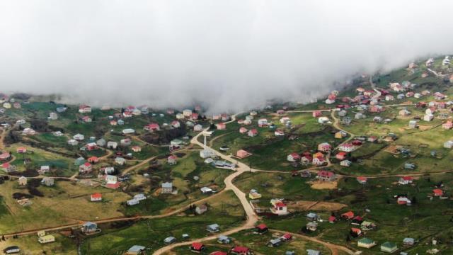 2 bin 182 rakımlı Sisdağı Yaylası kaçak yapı cenneti haline geldi! Yöre sakinleri 'Türkiye'nin 82. ili' olarak anıyor