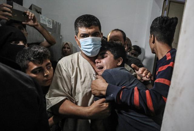 Son Dakika: İsrail, hava saldırısıyla Gazze'yi hedef aldı: 9'u çocuk 20 ölü