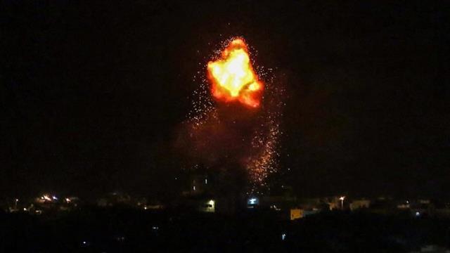 İsrail, hava saldırısıyla Gazze'yi vurdu: 9'u çocuk 21 kişi yaşamını yitirdi