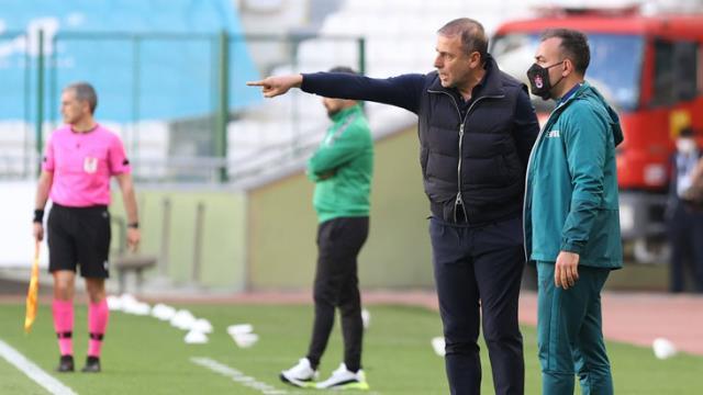 Konyaspor'la 1-1 berabere kalan Trabzonspor, deplasmandaki yenilmezlik serisini 17 maça çıkardı