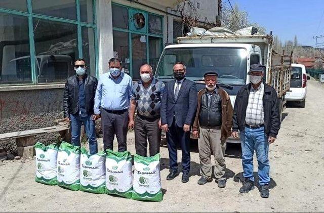 Kütahyalı çiftçilere kuru fasulye tohumu
