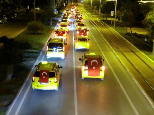 Antalyalı taksicilerden İsrail'e kınama konvoyu
