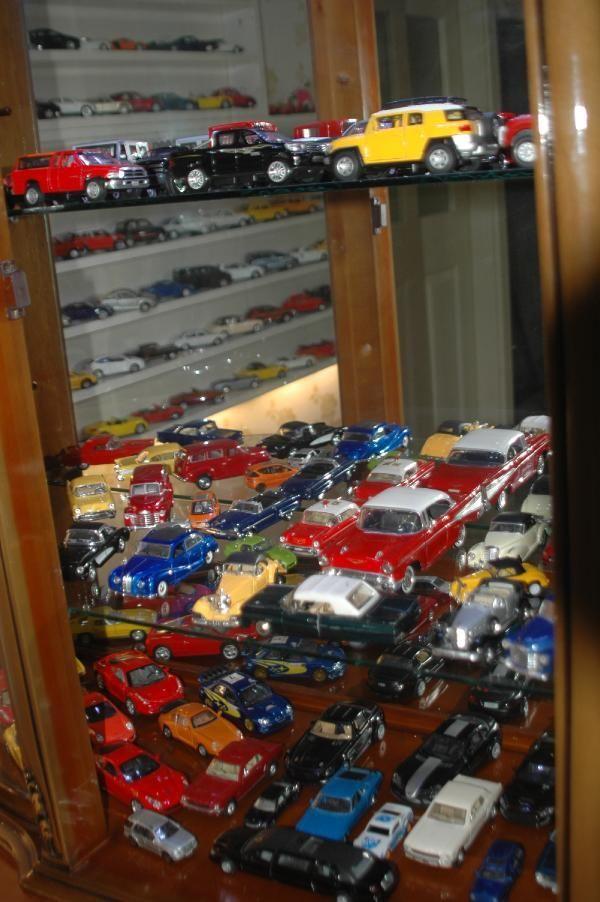 Yok böyle bir tutku! Maket araba koleksiyonuna 50 bin TL harcadı
