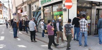 Eskişehir: Önünde kuyruk oluşan tatlıcıya ceza