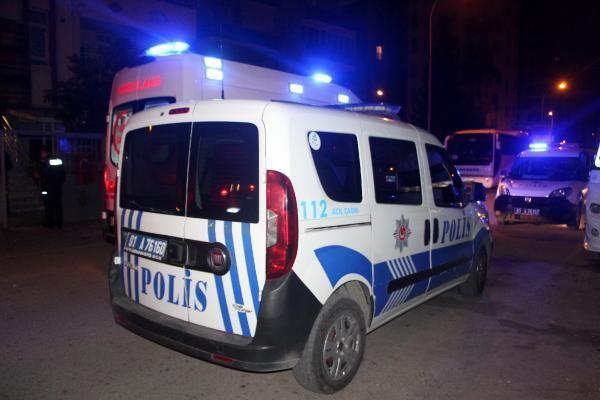 Adana'da evinin önünde silahlı saldırıya uğradı
