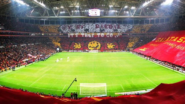 Galatasaray, şampiyonluk maçında büyük yaptırımları göze alarak tribünlere taraftar dolduracak
