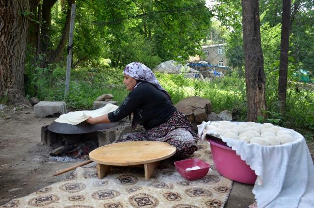 Şırnaklılar bayram geleneklerini sürdürüyor