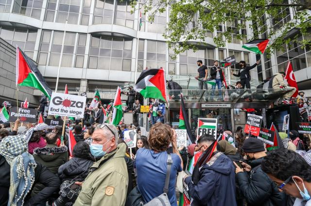 İsrail'in saldırılarına dünyadan tepki var! 11 ülkede protesto yürüyüşleri düzenlendi