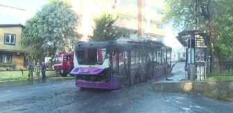 Polis: Sarıyer'de park halindeki otobüste çıkan yangın söndürüldü
