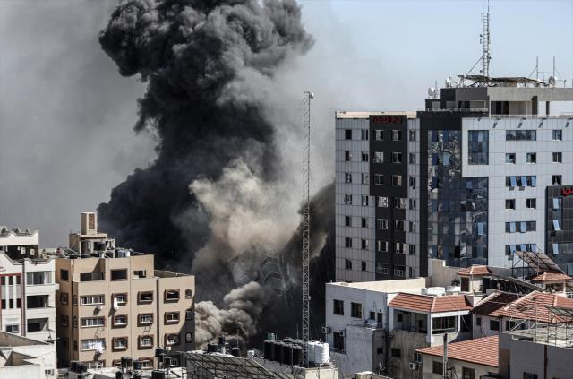 Son Dakika: İsrail'in Gazze saldırılarında hayatını kaybeden Filistinlilerin sayısı 145'e yükseldi