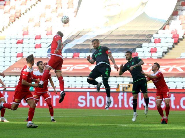 Süper Lig: FT Antalyaspor: 0 İH Konyaspor: 0 (İlk yarı)