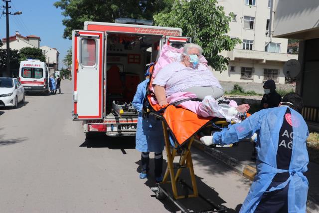 200 kiloluk koronalı hasta, balkon demirleri kesilerek evden çıkarıldı