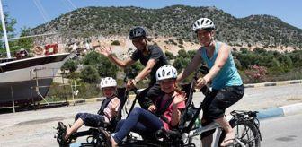 Bolu: 4 kişilik İsviçreli aile, 2 bisikletle Türkiye'yi geziyor