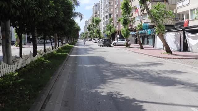 Tam kapanmada cadde ve sokaklarda sessizlik hakim