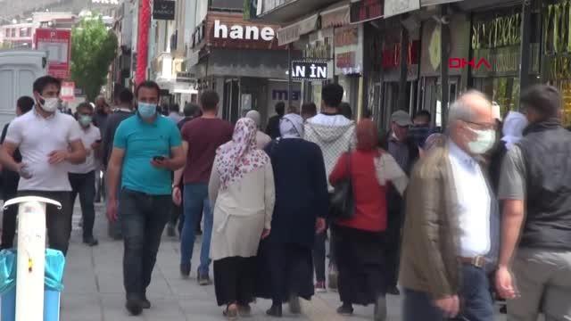VAN'DA KADEMELİ NORMALLEŞMENİN İLK GÜNÜNDE YOĞUNLUK