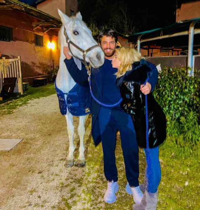 İhaneti affeden Can Yaman, sevgilisi Diletta Leotta ile pozunu paylaştı