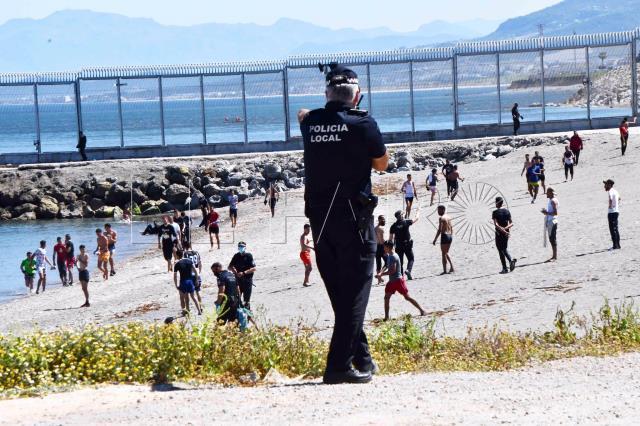 İspanya neye uğradığını şaşırdı! 24 saatte, 700'ü çocuk 5 bin düzensiz göçmen geçiş yaptı