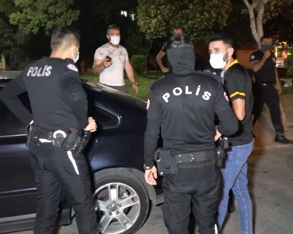 POLİSTEN KISITLAMAYI İHLAL EDEN ALKOLLÜ SÜRÜCÜYE KOKOREÇ PAHALIYA MAL OLDU