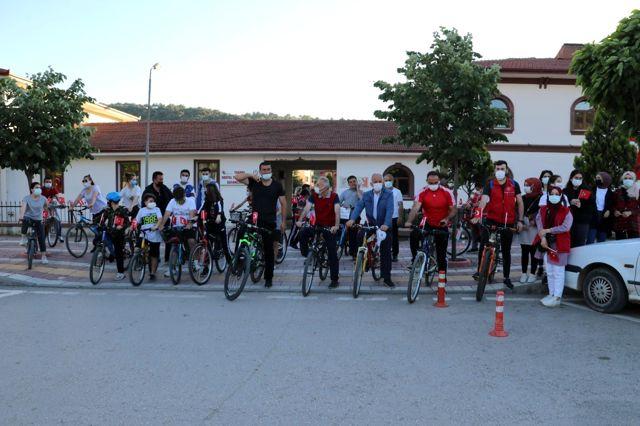 102. yılda '102 bisikletle şehir turu'