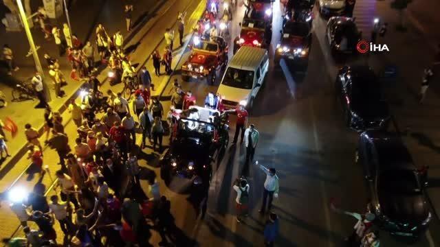 19 Mayıs coşkusu Mobil Cumhuriyet Fener Alayıyla son buldu