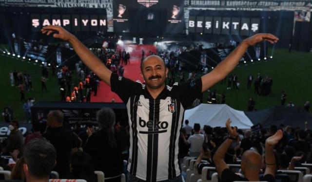 Beşiktaş'tan büyük jest! Fotoğrafına beğeni yağan emekçi şampiyonluk kutlamalarında yer aldı
