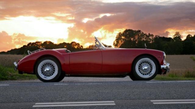 Rüyada araba görmek ne demek? Rüyada kırmızı araba görmek ne demek? Rüyada beyaz araba görmek ne demek?
