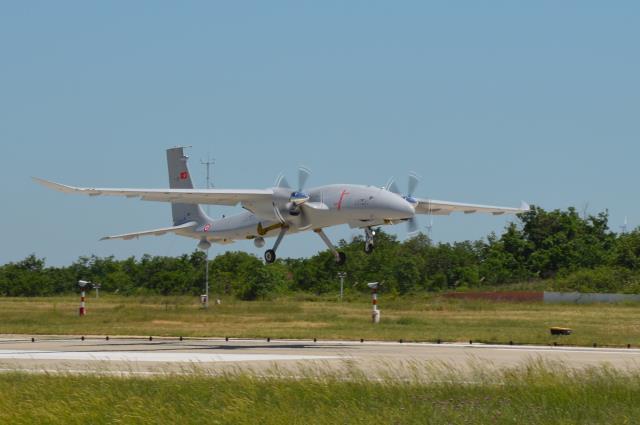 Selçuk Bayraktar paylaştı! Bayraktar Akıncı S-1 testleri başarıyla geçti