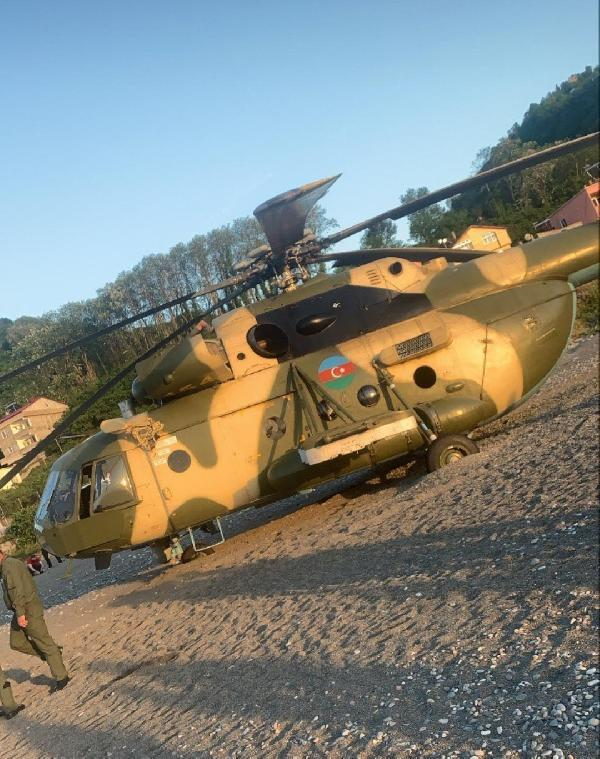 Son dakika haberi: Azerbaycan askeri helikopterinin Giresun'da sahile zorunlu inişi kamerada