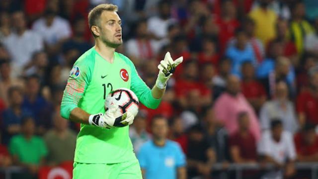 Uğurcan'ı 30 milyon euroya Inter'e veren Trabzonspor, yerini Mert Günok'la doldurdu