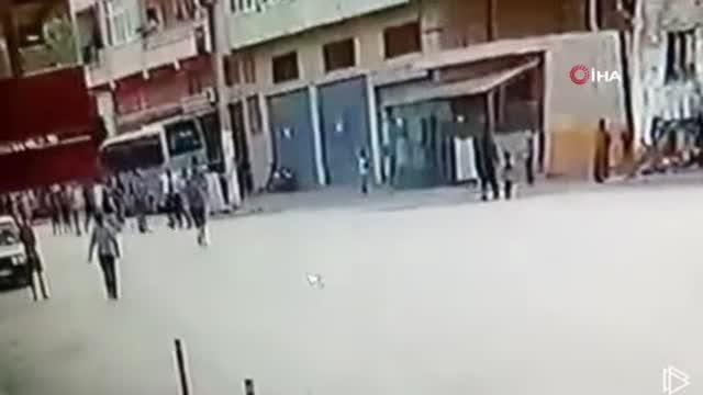 Askere gidecek genç kılıçla öldürüldü