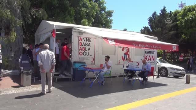 Manavgat Konyalılar Derneği üyeleri kan bağışında bulundu