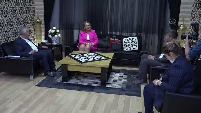 AFYONKARAHİSAR - Kosova Cumhuriyeti İstanbul Başkonsolosu Novoberdaliu, belediyeyi ziyaret etti