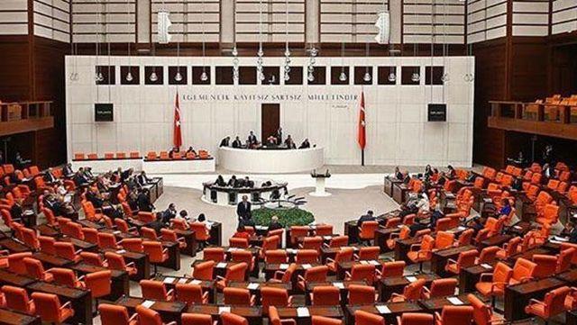 AK Parti'den yeni yasa teklifi! 15 yaşından küçük çocuğu olan kadın hükümlülerin cezaları ertelenecek