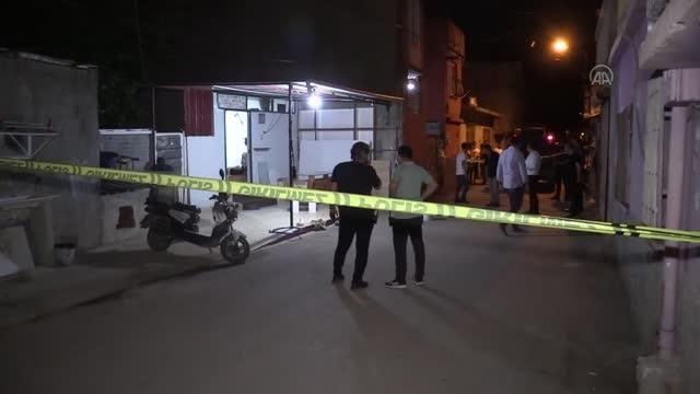Silahlı saldırıya uğrayan 2 kişiden biri yaşamını yitirdi