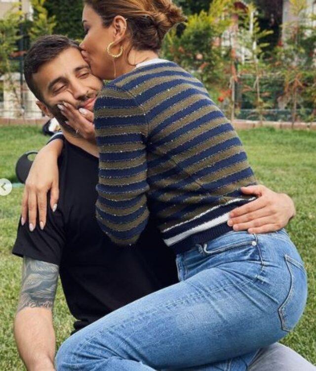 Galatasaray'ın yeni yengesinden olay paylaşım! Ebru Şancı, Alpaslan'ı öpücüklere boğdu
