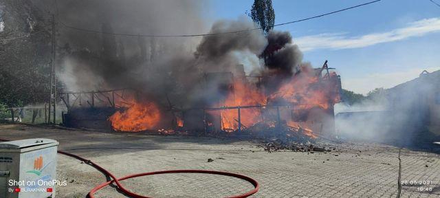 Son dakika haberleri... Kızılcahamam'da iki katlı ahşap evde yangın çıktı