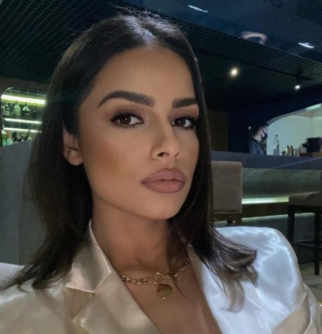 Paylaşım aşkı ele verdi! Beyazıt Öztürk, 24 yaşındaki Azeri güzelle ilişki yaşıyor